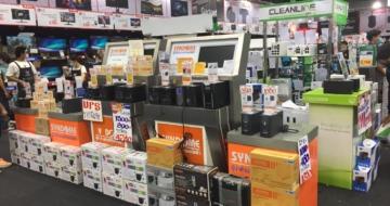 บู๊ทขายเครื่องสำรองไฟฟ้า UPS ยี่ห้อ Syndome ในงานแสดงสินค้า